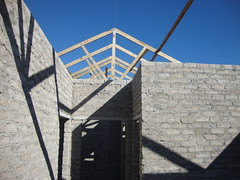 PIne Creek Village roof rafters been constructed (Capeco SA) Tags: africa pine creek port drive elizabeth village south ascot row circular capeco wonderwonings