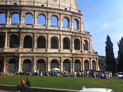 Roma (Frankness2008) Tags: roma arquitectura italia gente movil personas romano coliseo celular iphone callejera imperio lacio