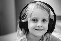 DSCF0364 (liseykina) Tags: jbl everest headphones rada radmila mila family