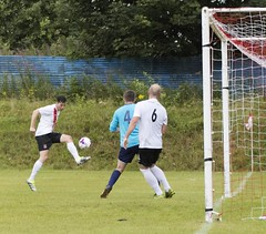 Nicky Little is well placed to pounce on the loose ball (Stevie Doogan) Tags: clydebank glasgow perthshire exsel group sectional league cup wednesday 10th august 2016 holm park