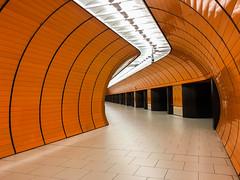 Nobody there! (biglo_de) Tags: munich mnchen subway ubahn metro underground metrostation subwaystation marienplatz bayern mvg