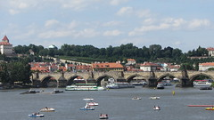 Prague Charles Bridge and Moldau (Andrs Revuelto) Tags: prague prag praha charles bridge karluv most karlsbrcke moldau river boat fluss boot sommer summer old town altstadt castle burg