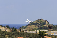 IMG_5913 (Roger Brown (General)) Tags: skiathos greece greek mediterranean holiday resort beach sands sea sun shine ferry golden secluded panoramic hilltop airport runway new marina east harbour