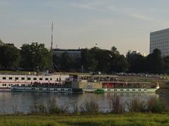 Dresden-0123_1 (pischty.hufnagel) Tags: dresden elbe dampfschiff dampfschifffahrt kurort rathen wende schaufelraddampfschiff schaufelraddampfer
