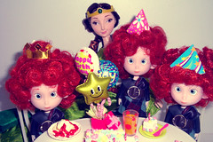 Happy Birthday Triplets! (Mrs.Pink Eyes) Tags: harris hubertandhamish merida elinor brave valente disney doll rement cake sweet andfood happy birthday surprise party balloons favors set