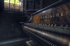 Bourgeois Abandonment #1 - No Sound - (Stokaz) Tags: explore sigma 1020 ex dc hsm urbex decay urban exploration bourgeois abandonment hdr piano wien sound stokaz 2016