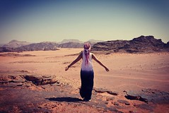 #_ # #shareyourjordan #jordan #wadirum #middleeast #livelovejordan #desert #mars #landscape #picoftheday #nature #beduin #igersjordan #igers #igersasia #jordania #desierto #sand #themartian (Uxa Vila) Tags: instagramapp square squareformat iphoneography uploaded:by=instagram jordan wadirum desert landscape sand sun
