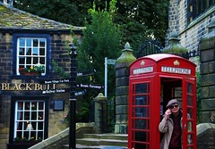 Allo, Buckingham? (dominiquita52) Tags: yorkshire haworth flickrmeeting telephone cabine