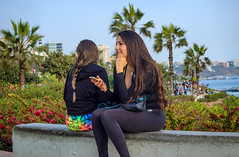 Beautiful (Luis Riveraw) Tags: green people personas peru lima streetphotography city nature flowers girl canon600d canon 50mmf18 50mm morning lights beautiful lovely love