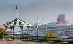 Dreaming of a cruise (Dany_M) Tags: queen mary cruiseship cruise ship fog quebeccity quebec canada canon70d cunard bateau croisire brume landscape paysage architecture terrasse dufferin