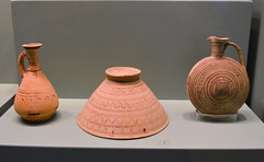 Iron age vessels (diffendale) Tags: ceramica museum greek ancient ceramics display kreta vessel exhibit muse creta greece pots grecia clay crete vase pottery museo artifact archaeological griechenland antico grce candia greco grecque cretan chania  yunanistan kriti archeologico crte   vasellame   earlyironage   8thcbce lategeometric