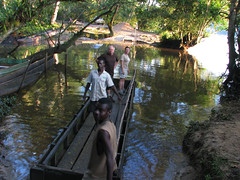 A Very Short Boat Trip (icajoleu) Tags: intransit centralafricanrepublic sanghalodge