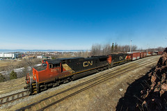CN 403 @ Rivire-du-Loup (Mathieu Tremblay) Tags: railroad canada cn train angle south wide sigma railway grand canadian national shore qubec 1020 chemin sud fer canadien rive subdivision rivireduloup montjoli