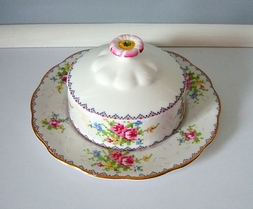 Royal Albert Petit Point Butter