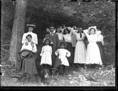 Family photo with the dog (Meyersdale Public Library) Tags: people men dogs children women hats 1910s 1900s glassnegatives photobox13