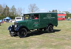 1937 Morris Van (DaveWilcock) Tags: fair steam morris van chipping