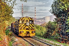 Otoño en el Valle. (Trenero EFC) Tags: autumn españa train tren la spain industrial d central railway asturias otoño coal ge serie freight cuesta ferrocarril termica arcelor carbonero mercancias aceralia aboño