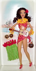 2006 Hula Honey Barbie (2) (Paul BarbieTemptation) Tags: girls anna gold label hula barbie collection honey choi pinup