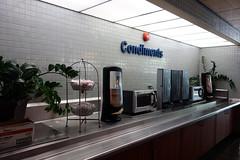 Condimentos 03173 (Omar Omar) Tags: california californie usa usofa hollywood hollywoodca hollywoodcalifornia hospital hpital healthcare salubridad cafeteria lunch condiments condimentos unhealthy spicaoj