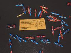 DM2016 Spyw kajakowy (Greenpeace PL) Tags: sdm sdmkrakow krakow greenpeace kajaki spyw laudatosi baner wisla aktywisci pielgrzymi wiatowednimodziey wydkrakow2016 wyd2016 krakow2016