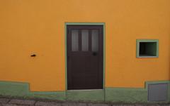Minimal (Margcoss) Tags: house casa orange arancio green verde door window