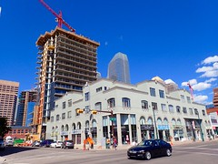 Sixth and Tenth going up fast (LUMIN8) Tags: sixthandtenth condos bradlamb calgary beltline 10thavenuesw bluesky
