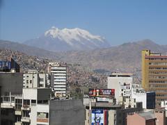 """La Paz: vue de notre chambre <a style=""""margin-left:10px; font-size:0.8em;"""" href=""""http://www.flickr.com/photos/127723101@N04/28522526331/"""" target=""""_blank"""">@flickr</a>"""