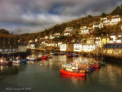 Polperro (Belinda Fewings (3 million views. Thank You)) Tags: belindafewings panasoniclumixdmc bokeh city street seaside colour colourful artistic pbwa creativeartphotograhy creative arty beautiful beautify beauty lovely outdoors outside out best depthoffield polperro cornwall village boats reflects fishingvillage cove hills typical interesting interest