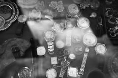 Orologi (Tecnovlog) Tags: sigma merrill dp2 italia mercatino orologi italy watches dettaglio dettagli close up closeup bianco e nero black white bw bn
