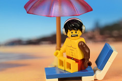 OMG, the sun umbrella is too small! (Lesgo LEGO Foto!) Tags: lego minifig minifigs minifigure minifigures collectible collectable legophotography omg toy toys legography fun love cute coolminifig collectibleminifigures collectableminifigure swimming beach swim suntan tan tanned swimmer summer