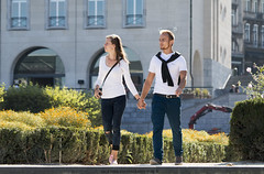 Holding Hands (Rick & Bart) Tags: rickvink rickbart canon eos70d brussel bruxelles kunstberg montdesarts everydaypeople strangers streetphotography candid personnes people urbanlife city citylife gününeniyisi thebestofday