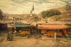 Jugo (Mariasme) Tags: peru oranges market stall roadside juice challengeyouwinner