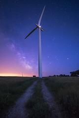 l'olienne (fubu.flemm) Tags: nuit bretagne soir paysage champs route chemin toiles stars olienne voielacte