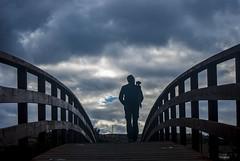 Al otro lado (javipaper) Tags: puente bridge nubes clouds fotógrafo