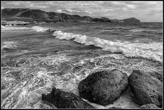 Un paseo por El Cabo de Gata (Fernando Fornis Gracia) Tags: espaa andaluca almera cabodegata parquenaturaldelcabodegata mar olas nubes rocas blancoynegro wb paisaje landscape naturaleza