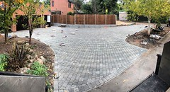 "Driveway with @wardensfencing is coming together. I've only got 1 day left before it's back to the trees ! Been nice to mix the work up again 😃 #wardenstreecare #teamwarden <a style=""margin-left:10px; font-size:0.8em;"" href=""http://www.flickr.com/photos/137723818@N08/29984106490/"" target=""_blank"">@flickr</a>"