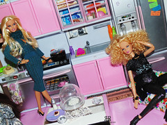 Despina & Naomi cooking time (HELICON ROSE) Tags: barbie steffie belk lara dolls made move helicon rose mold basics jeans blackdress