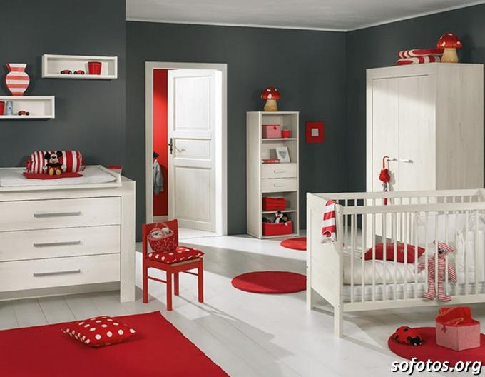 Quartos de bebe vermelho e branco