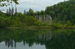 Plitvice, Croatia (duqueıros) Tags: kroatien croatia hrvatska plitvicerseen see lake wasserfall waterfall nationalpark nacionalniparkplitvičkajezera plitvice natur nature duqueiros