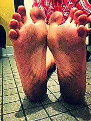 Barefoot walk then rice in shoes (Barefootbound36) Tags: dirtyfeet barefoot malefeet dirtysoles