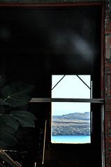 Macerie (cuoghisofia) Tags: casa vecchia finestra window house old mare sea ombre shadows dettagli grecia greece luce light