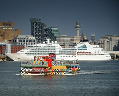 Snowdrop  and Seabourne Quest in Liverpool (Jeffpmcdonald) Tags: seabournequest cruiseship liverpoolcruiselinerterminal rivermersey snowdrop mvwoodchurch merseyferry everybodyrazzledazzle nikond7000 jeffpmcdonald aug2016
