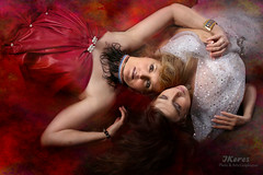 Friendship (Keres Jasminka) Tags: amiti femmes duo portrait rouge blanc ami femme beaut