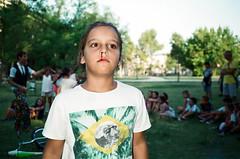 (Marco Antonecchia) Tags: contax contaxt2 analog blood children 35mm fujifilm streetphotography film filmphotography filmisnotdead compactfilmcamera sangue sanguedalnaso party