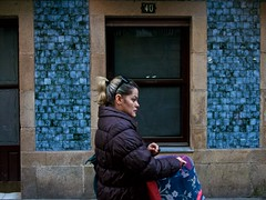 P1270154 (CarluzFoto) Tags: color people peopleonthestreets pontevedra streetphoto streetphotography