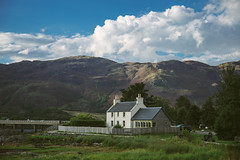The house in Dornie (Tim Bow Photography) Tags: timbowphotography travelphotography scotland landscape scottishlandscape beautifullandscape canonukphotography traveluk colour color canon6d timboss81 kyleoflochash dornie house lonehouse lonely beeautiful pictueresque mountains clouds composition