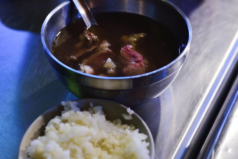 14-抵達台南時的晚餐牛肉湯配白飯
