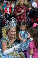 IMGL2778 (komissarov_a) Tags: roseparade 2016 festival queens kings fall boys girls cheerleaders event fun performance outdoor floats roses blooms volunteers decorate people holiday camera komissarova lens streetphotography rgb tyler tx us canon 5d m3 celebration october color anniversary tradition rose award police spirit flowers ambassadors court princesses bands duces navy army cadets nationalguard walk annual largest college centerpiece spectators foundation school band marching stadium