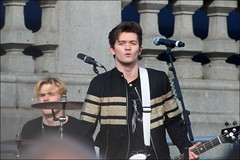 Team GB in London - DSC_1719a (normko) Tags: london trafalgar square rio olympics 2016 teamgb celebration vamps boy band gig musicians connor ball tristan evans celeb famous paparatsy drums bass