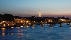 Paris by Night (Joseph Trojani) Tags: paris nuit night pontdesarts bridgeofarts toureiffel eiffeltower poselongue longexposure parislanuit seine laseine nikon d7000 fleuve rivire river lumire light france